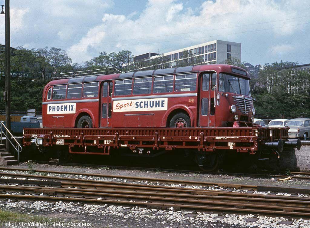 Ein vmtl. schadhafter Büssing-Bus der DB auf dem Kls 442 336 7 189 im Mai 1965 --- DB --  Germany