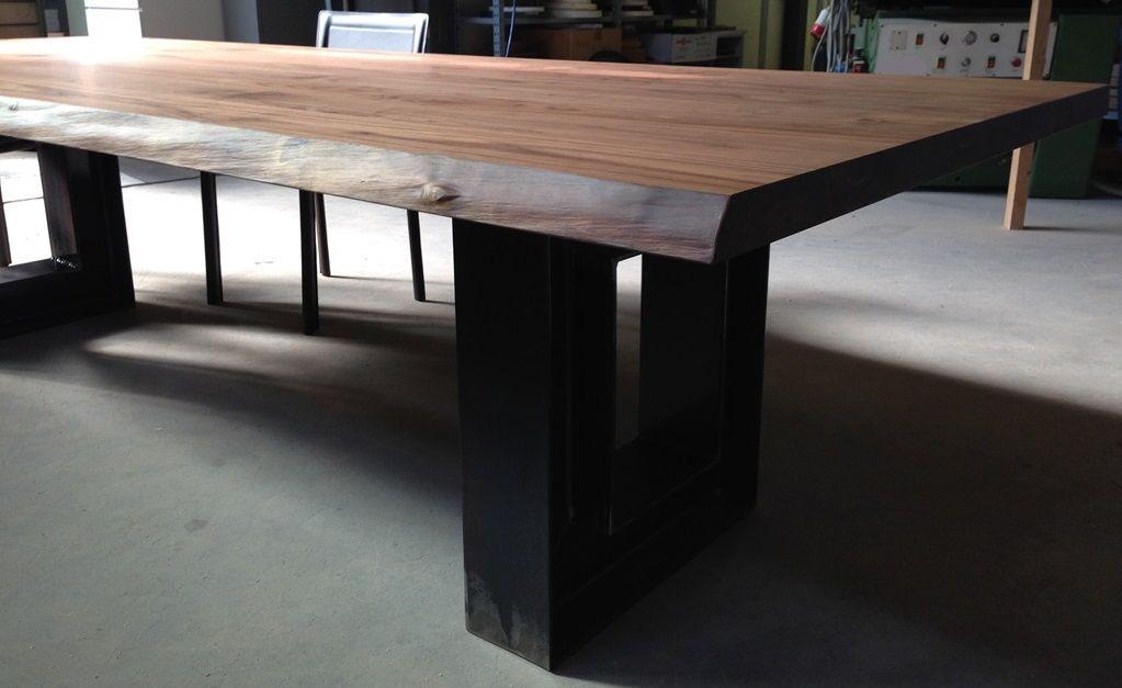 Tavolo design per sala degustazione vino arredamento for Arredamento sala ristorante