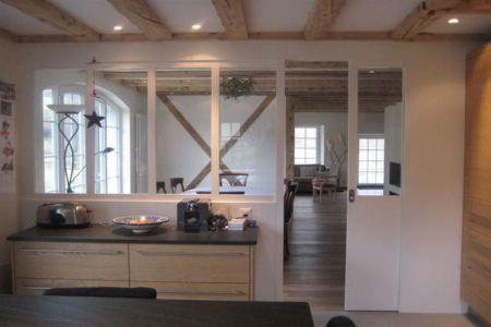 Cuisine verriere bois blanc inspiration maison for Cuisine verriere bar