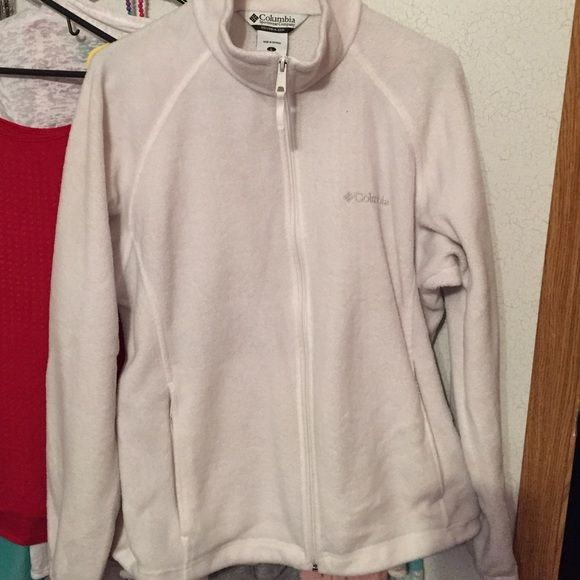 White Columbia zip-up jacket White zip up jacket size large in great condition  bought it only worn a hand full of time I like to were more loose fitting jacket, my loss your gain! Any questions feel free to ask and don't be afraid of the offer button I just may accept :) happy poshing!!! Columbia Jackets & Coats