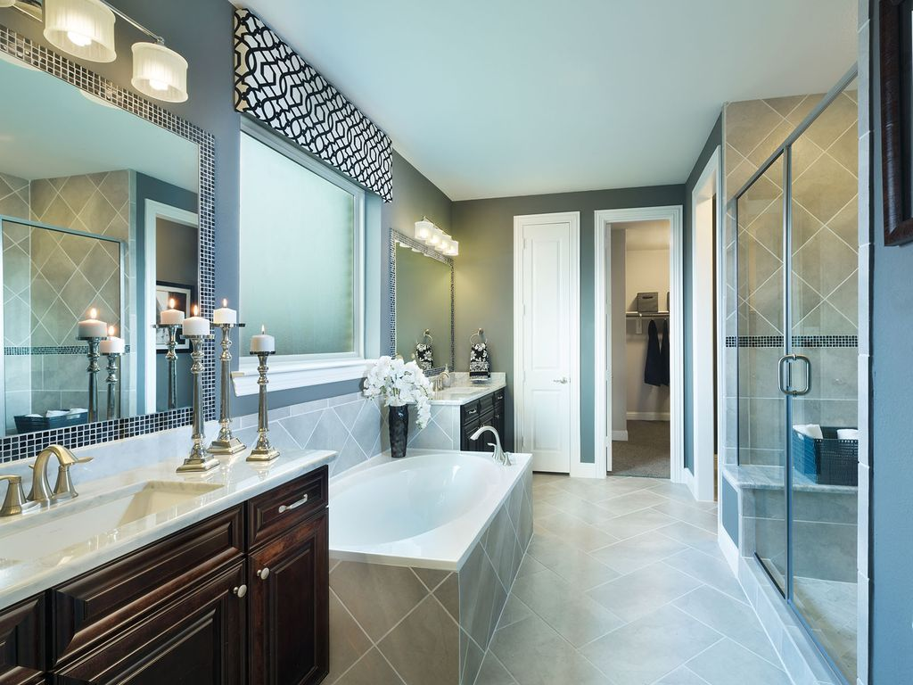 Transitional Master Bathroom with Eureka Danby, Marble, Verticyl ...
