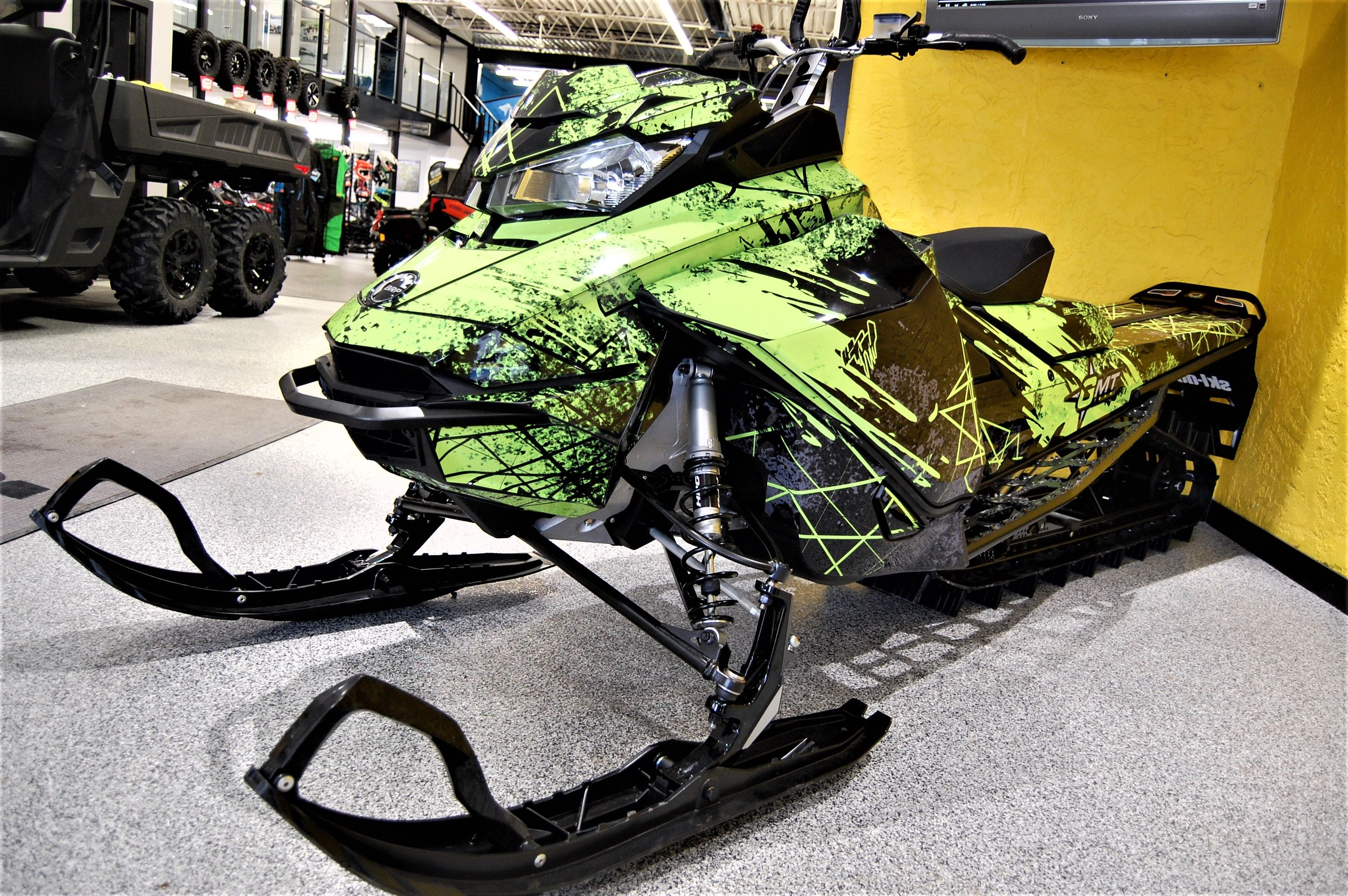 New Arrival If You Have Been Waiting To Find A Ski Doo That Fits Your Adventure Mode We Would Like To Inform You Of Something In 2020 Skiing Snowmobile Green Wrap
