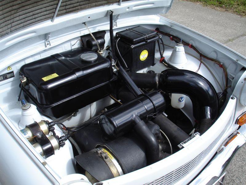 trabant 601 motor trabant vehicles plastic models und. Black Bedroom Furniture Sets. Home Design Ideas