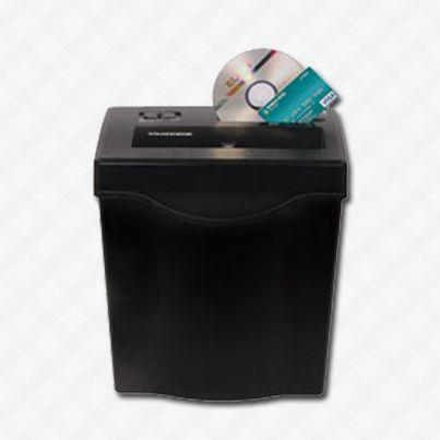 Rápida e potente a Fragmentadora FC 7121 127V da Elgin fragmenta até 12 folhas em partículas, CDs e cartões. Confira! http://scup.it/3gx9  www.nagem.com.br