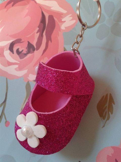 chaveiro de sapatinho de eva rosa | Lembrancinhas em eva
