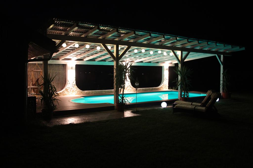 pool selber bauen 8 x 4 x 1 5m tief mit r mischer treppe beleuchtung durch zwei unterwasser. Black Bedroom Furniture Sets. Home Design Ideas