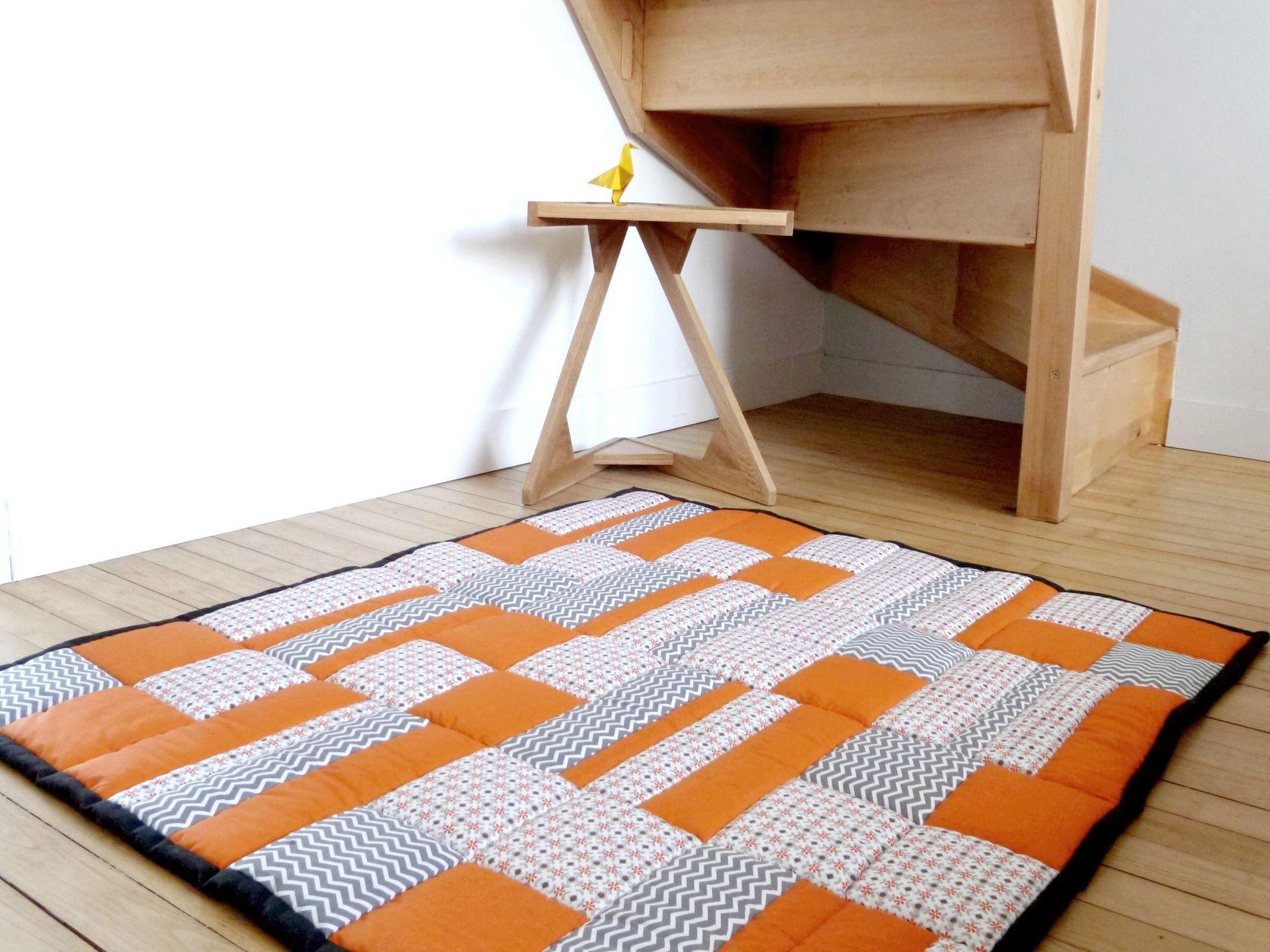 grand tapis b b matelass patchwork orange blanc gris jeux peluches doudous par. Black Bedroom Furniture Sets. Home Design Ideas