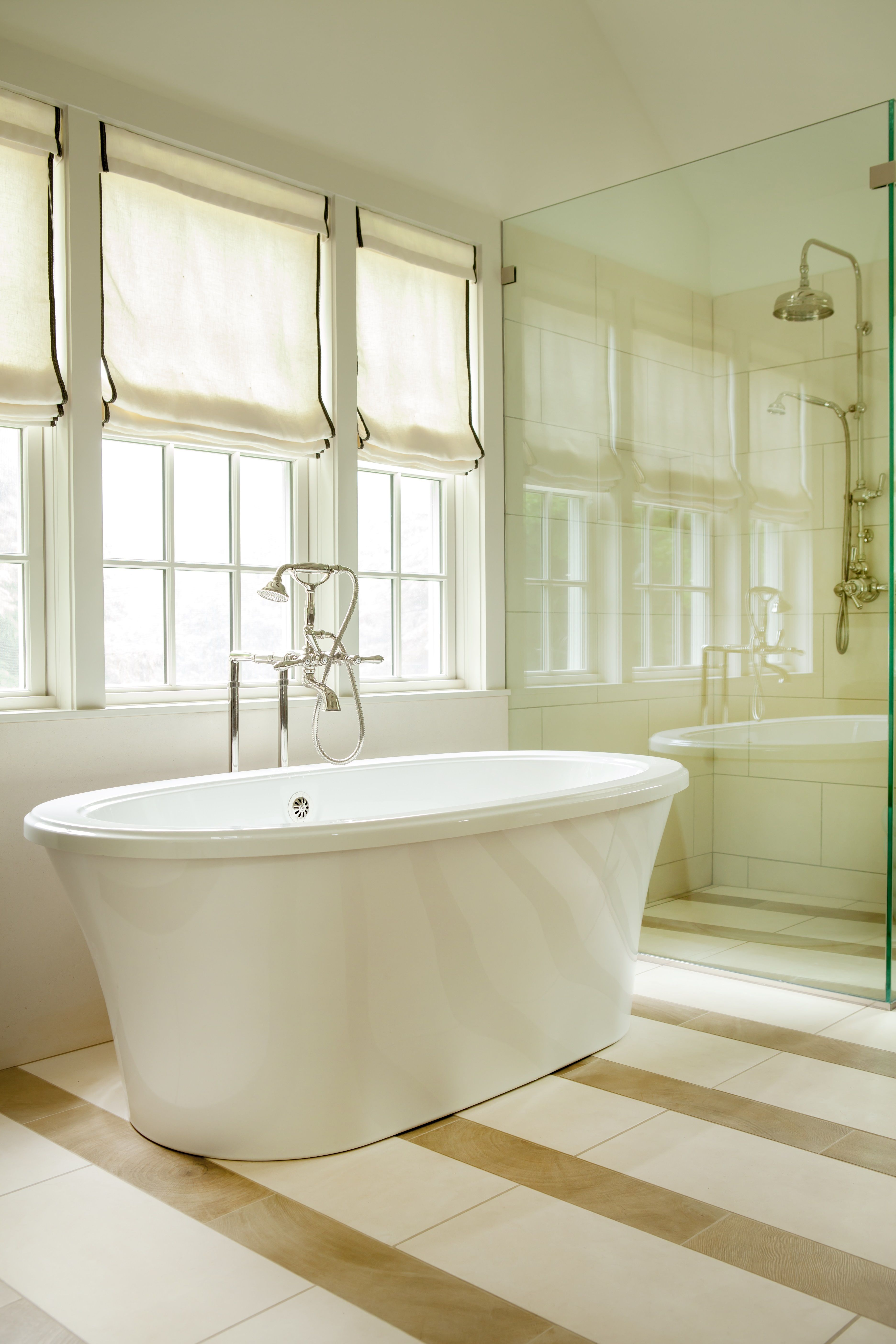 Nothing beats a nice, long bath in a #therapeutic #bathtub like this ...
