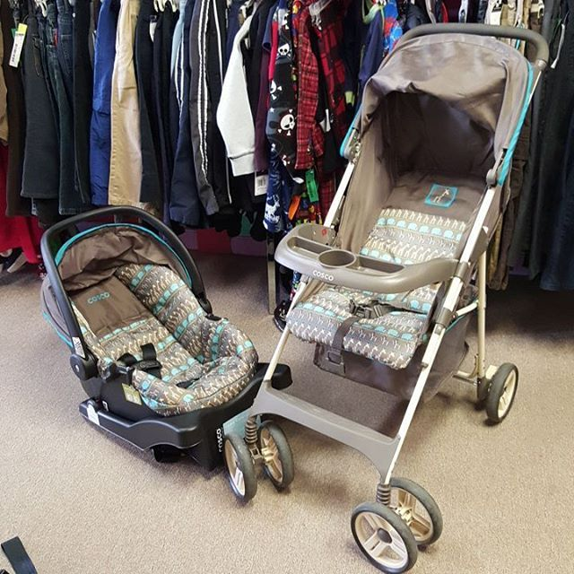 Cosco safari animal travel system. Includes stroller, car seat, and