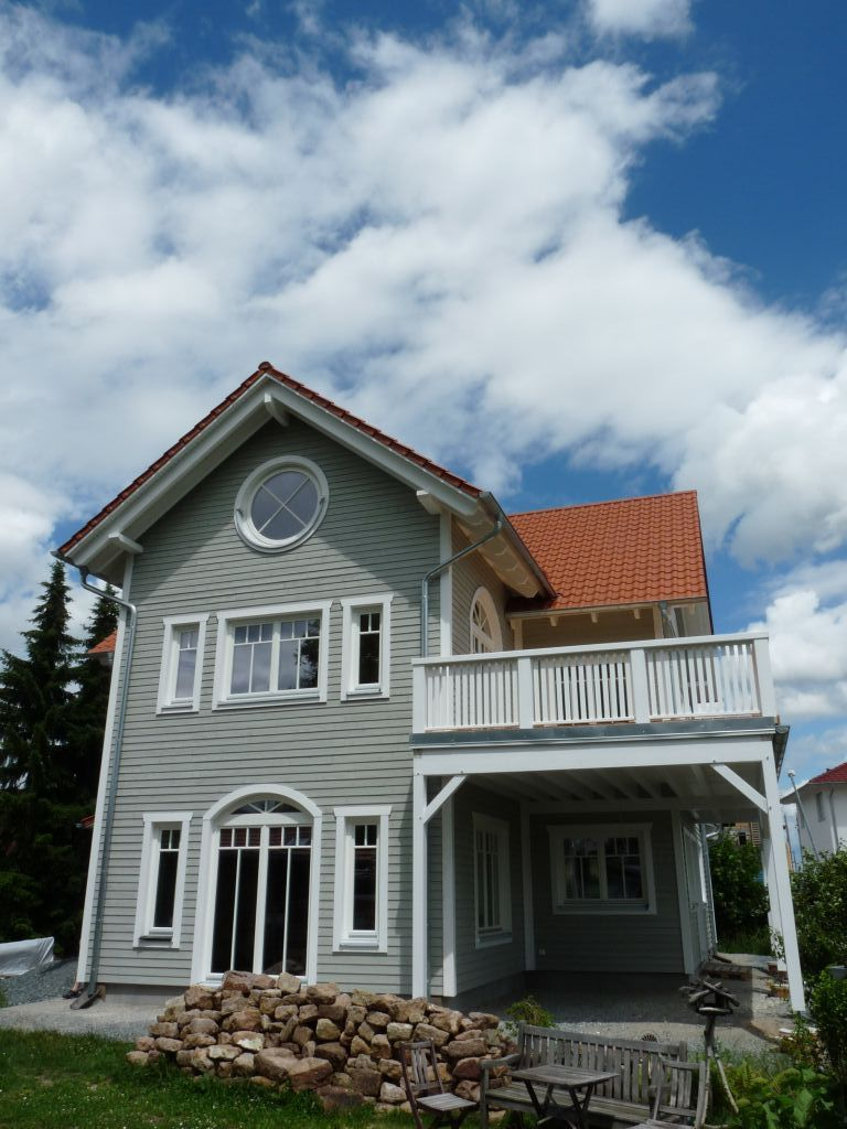 Einzigartig Musterhäuser Amerikanischer Stil Beste Wahl Schöne Holzfassade An Der Gartenseite