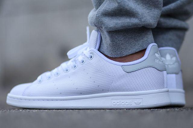 amenazar Ciro Determinar con precisión  ADIDAS STAN SMITH (WHITE/LIGHT SOLID GREY) - Sneaker Freaker | White  sneakers men, Best white sneakers, Adidas stan smith white