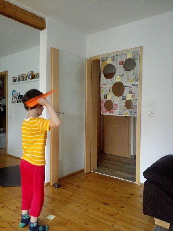 15 Best Indoor Kids Activity and Craft - mybabydoo #childrenstuff Indoor Kids Crafting 7…