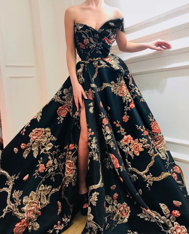 28 Prom Dresses That Will Make You The Prom Queen - Sweetheart neckline printed black dress #promdress #bluedress