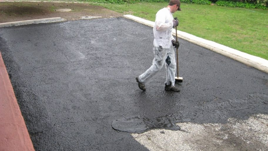 Diy how to seal driveway asphalt driveways driveway sealer and diy seal driveway asphalt solutioingenieria Images