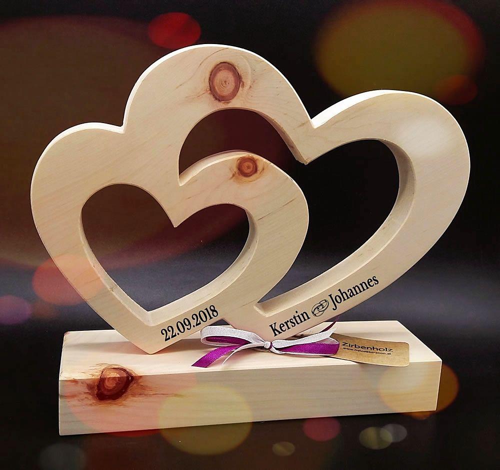 Photo of Grande cuore di pino per il matrimonio