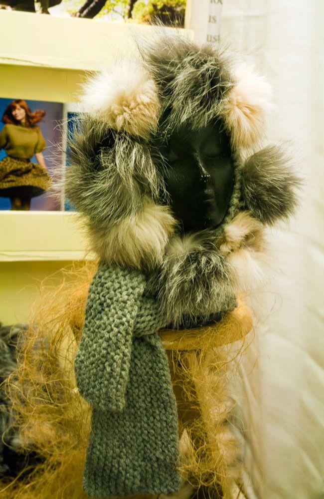 Capucha de lana y piel