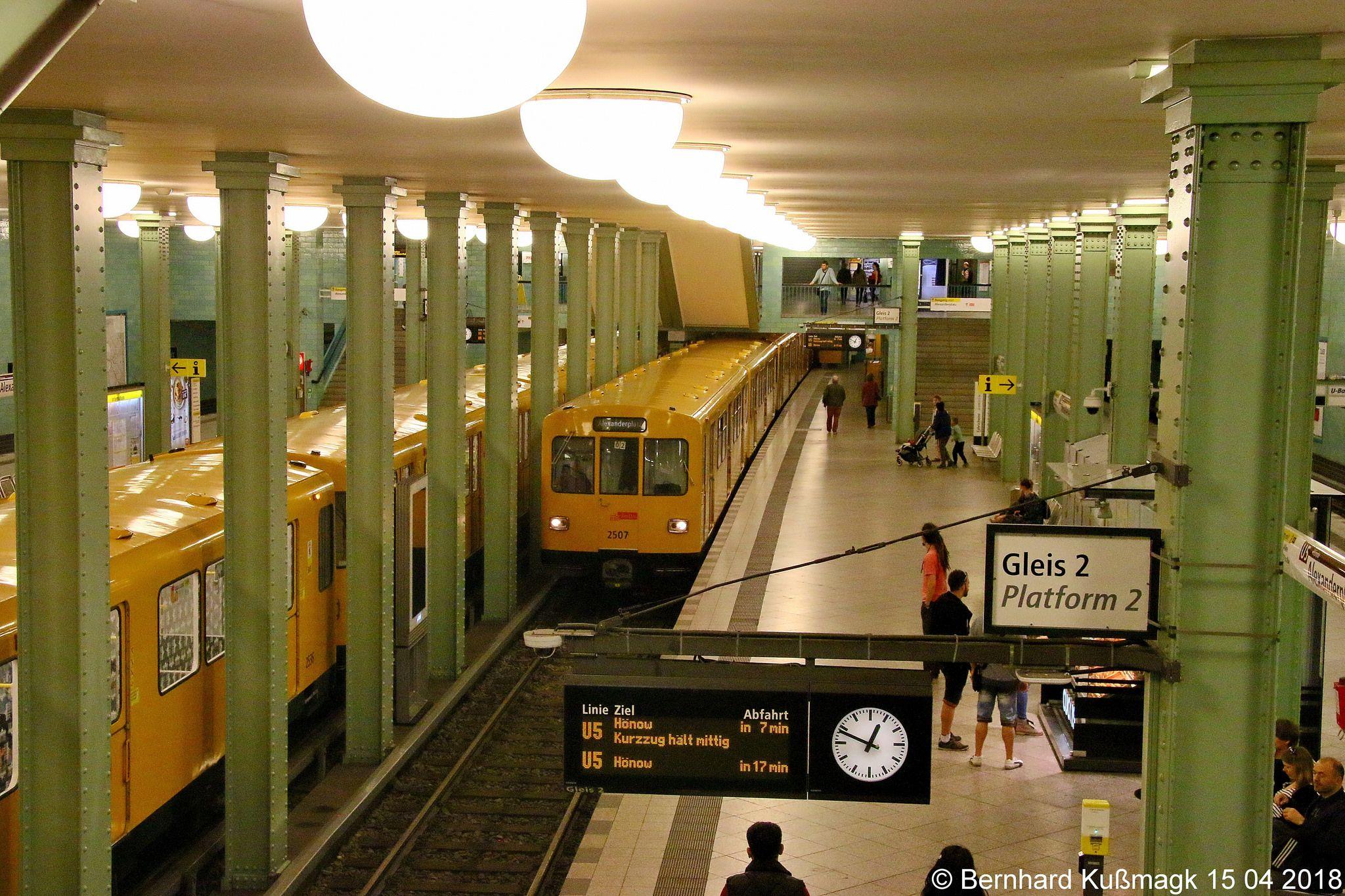 Europa Deutschland Berlin Mitte U Bahnhof Alexanderplatz U Bahn Linie U5 Berlin Germany Model Railroad
