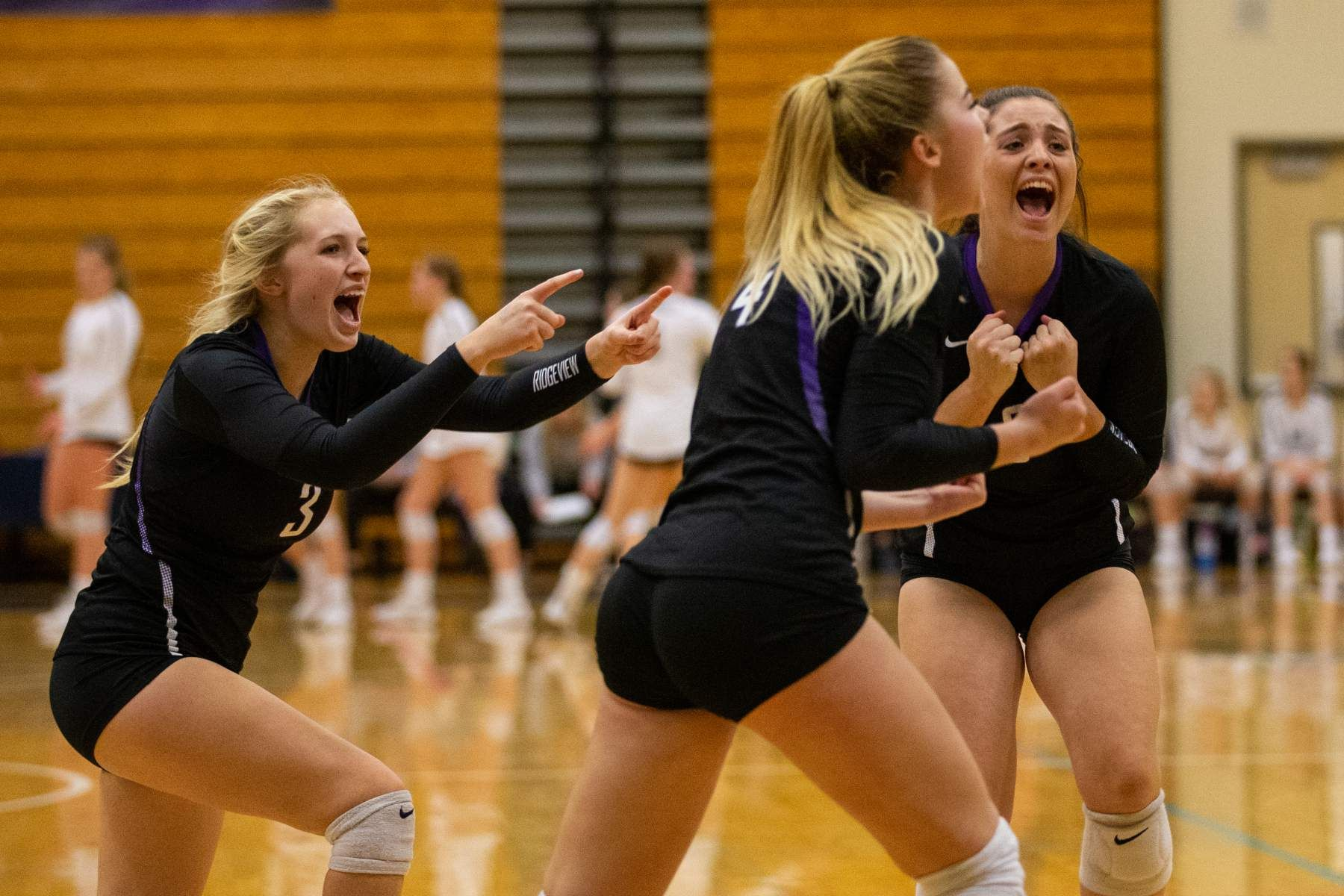 Ridgeview Players Celebrate During The Match Against Crater Sports Pictures Friends Photography High School Sports