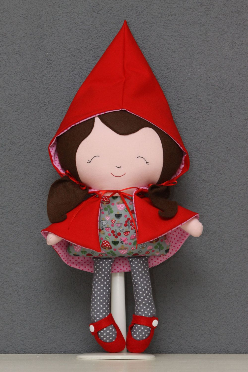 Little Red Riding Hood doll ragdoll softie toy by PuppetsandHugs, €35.00