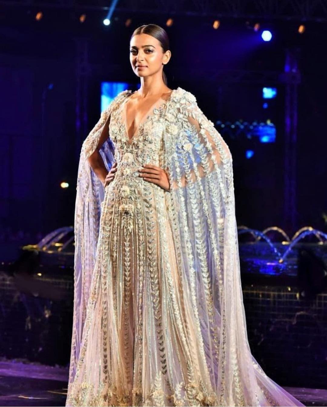 Showstopper radhika apte for manish malhotra fashion show