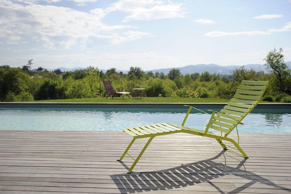 Chaise longue bistro chaise longue de jardin collections fermob pinterest chaise longue - Mobilier de jardin fermob ...