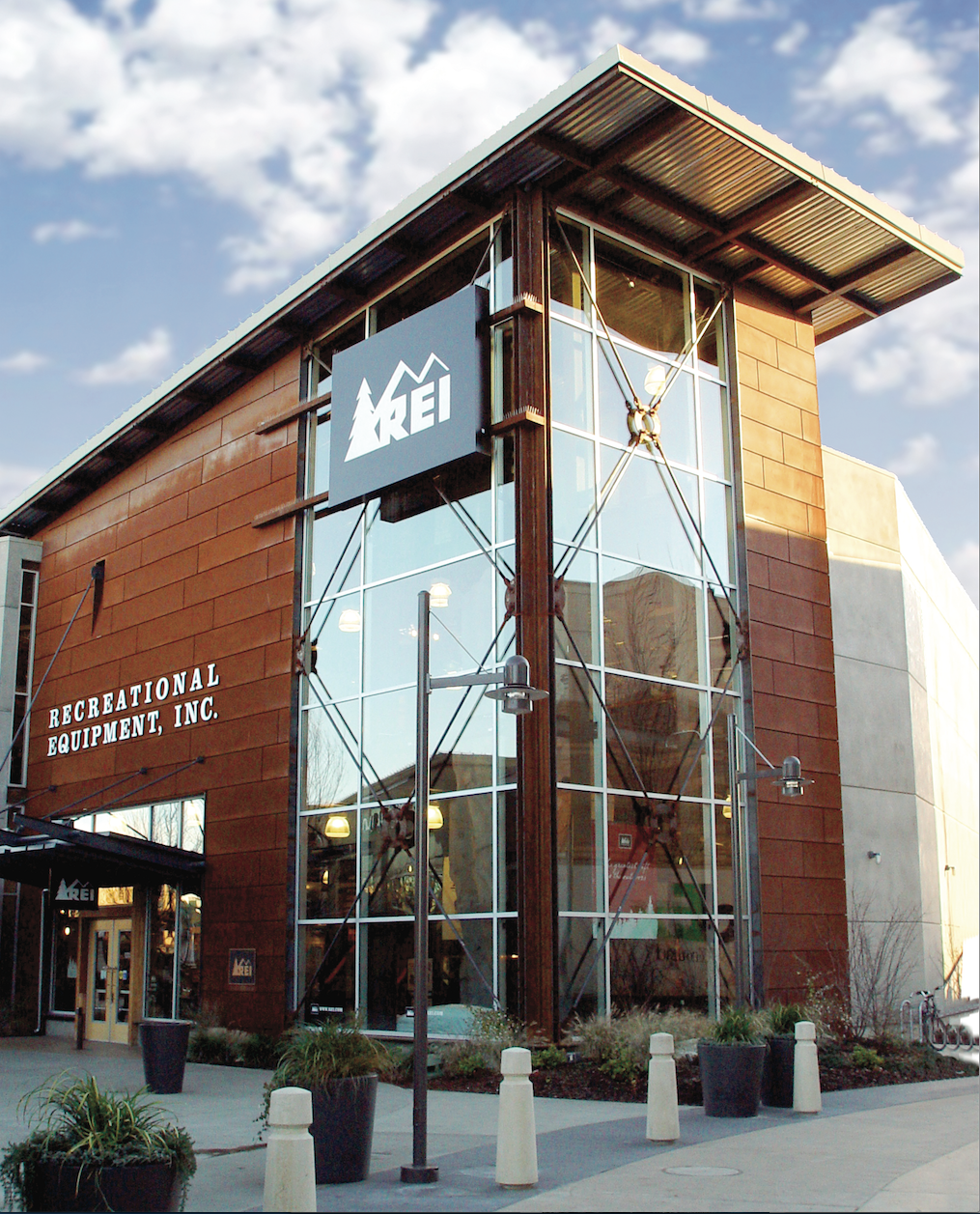Rei exterior designed by retail voodoo we love our clients architecture facade design for Exterior architecture
