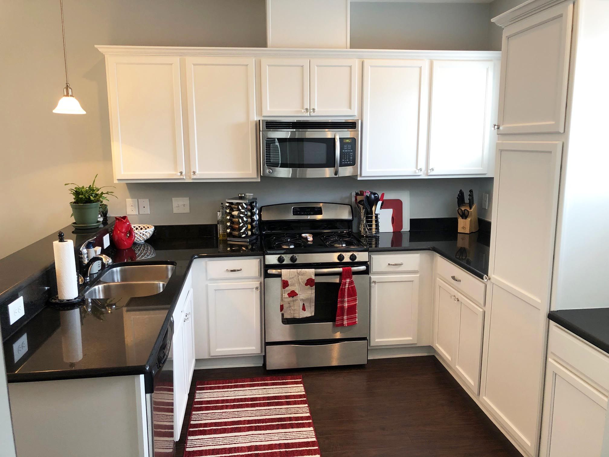 After Staging A Kitchen Classic Kitchens Paint Cabinets White Home Staging