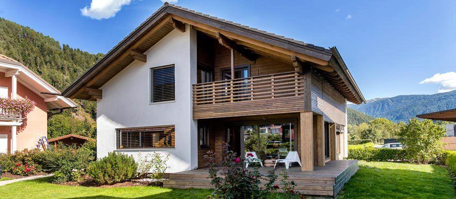 Sara La Casa Rubner Con Arredamento Ikea Rubner Haus Una Casa In Legno Per Sempre Case Prefabbricate Case Prefabbricate Case Di Legno Costruire Casa