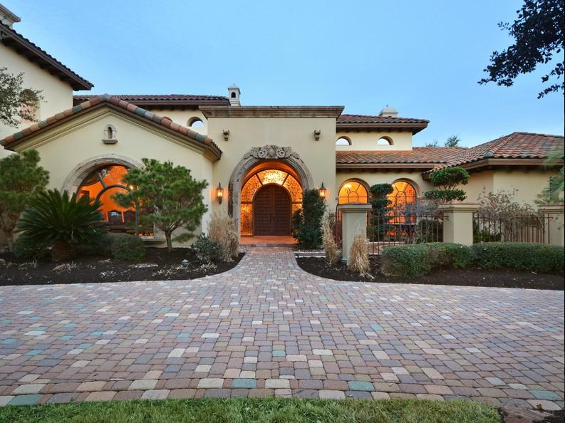 Spanish Style Home Austin Texas Like The Paver