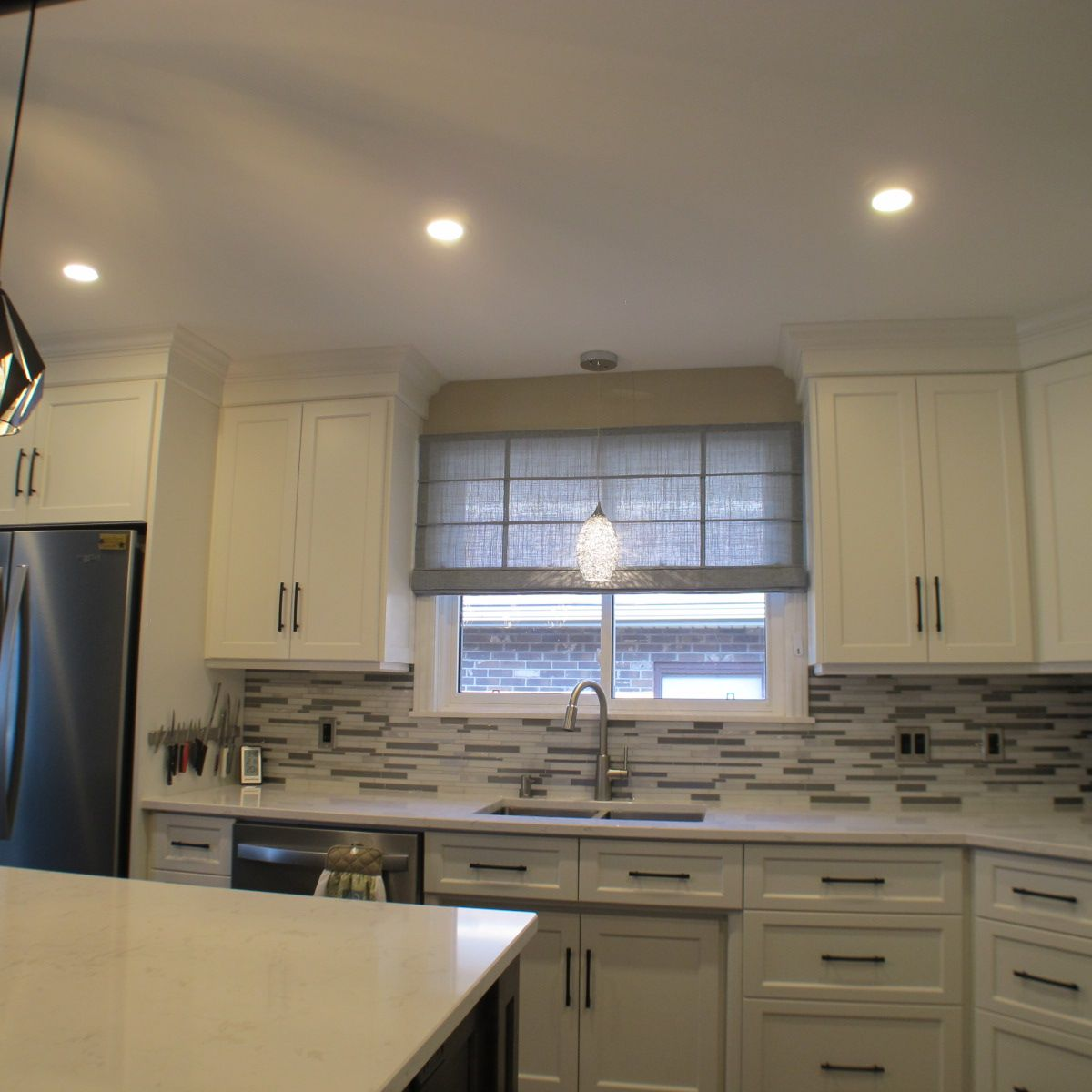 We Are Loving How This Kitchen Turned Out A Vadain Roman Shade