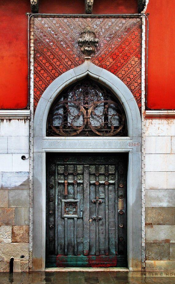 Venice, Italy doorway   ..rh