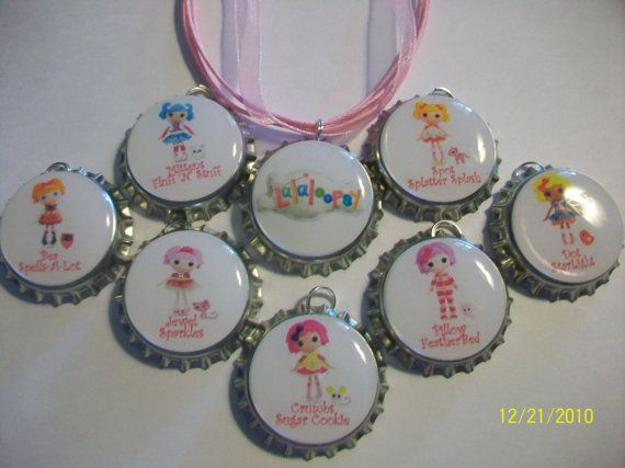 Necklaces for favors