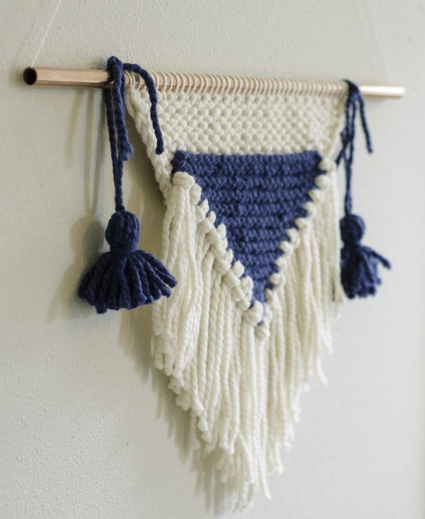DIY: Knitted Wall Hanging FREE pattern pdf and Photo Tutorial ...