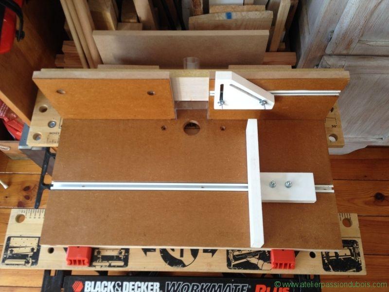 defonceuse sous table r alisation d 39 une table en bois pour transformer la d fonceuse en toupie. Black Bedroom Furniture Sets. Home Design Ideas