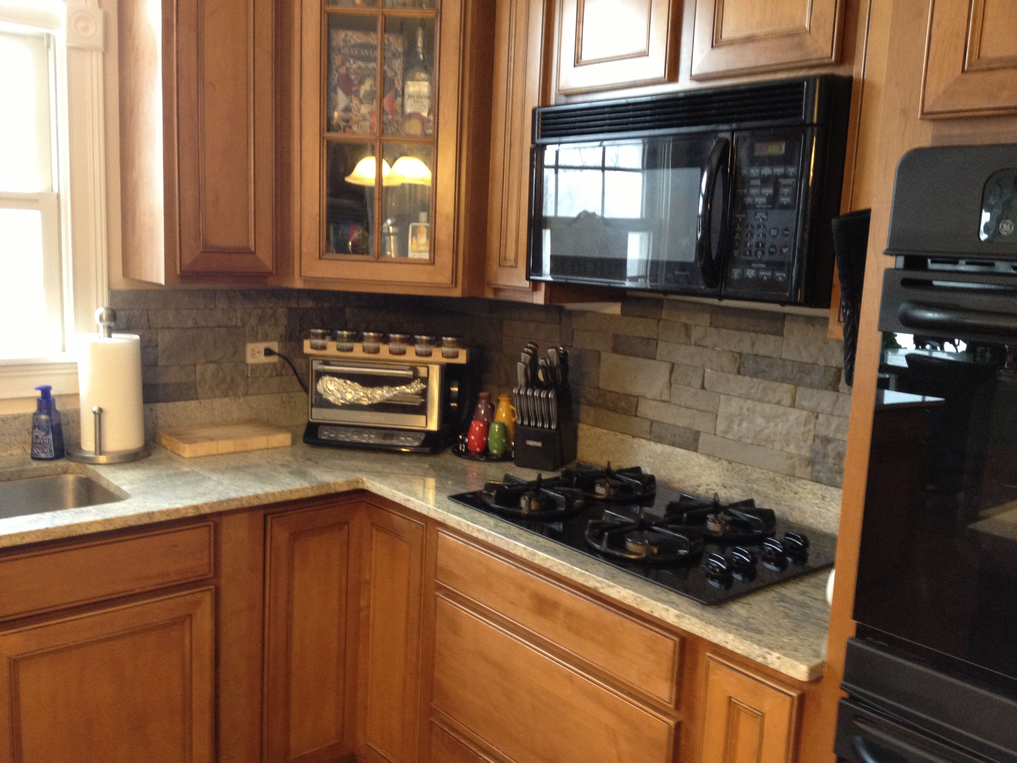 backsplash was so easy :) cost only $125 for the entire kitchen!! air stone at lowes | design