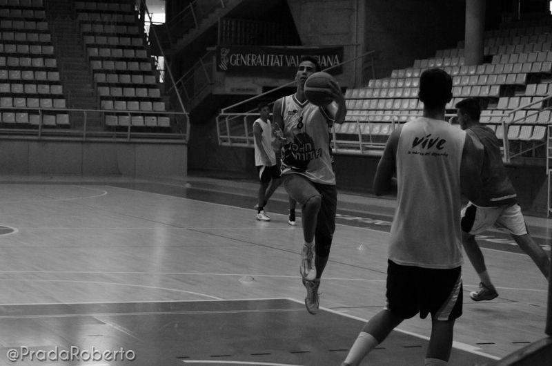 Ejercicio de coordinación, Álvaro Gómez-Arrones. 29 de agosto #UA #UniversidadAlicante #Lucentum #UALucentum #LigaEBA #GrupoEA #baloncesto #basket