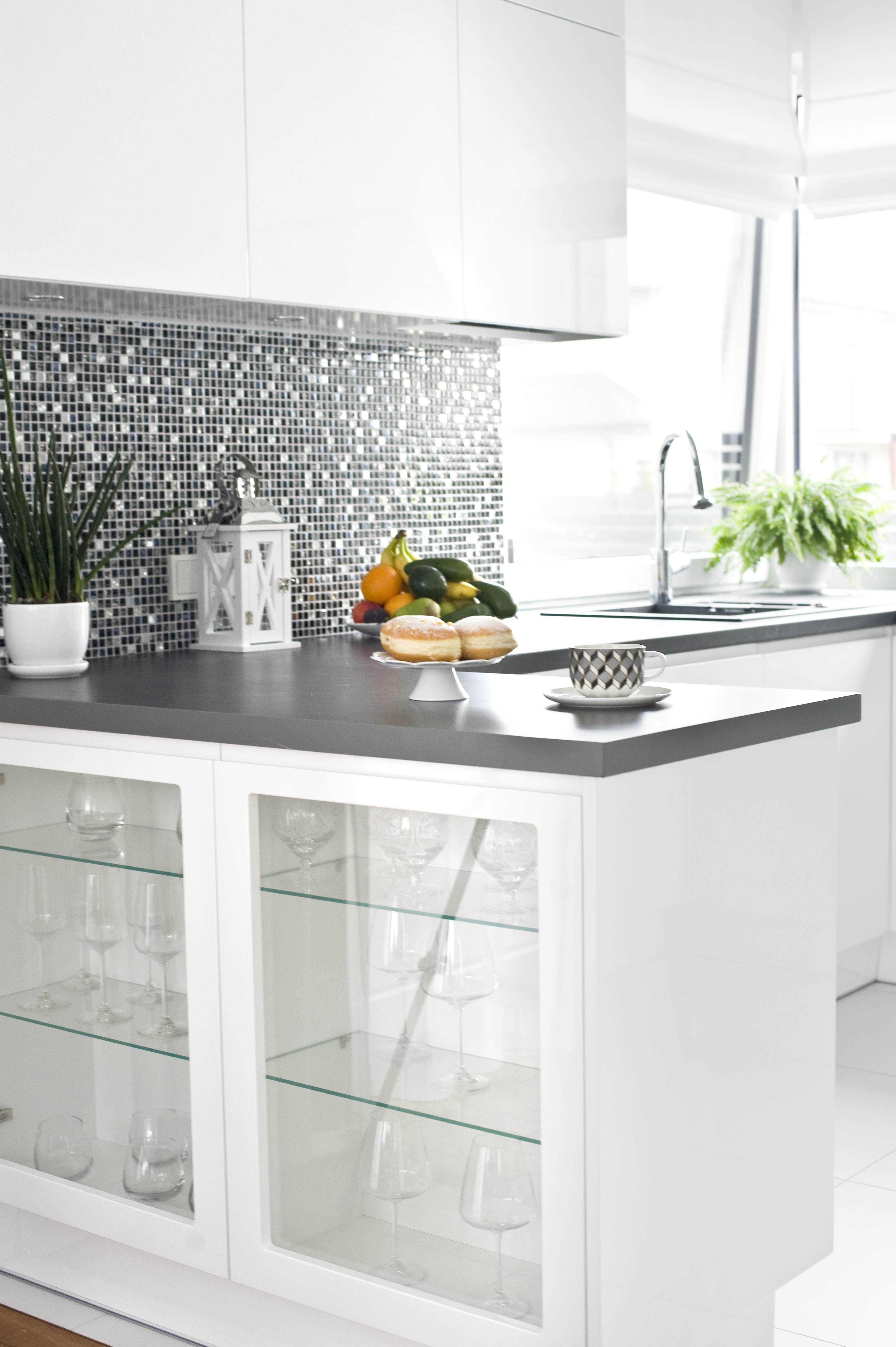 Cocinas De Lujo Modern Kitchen With Glamour Glitter Mosaic Elements