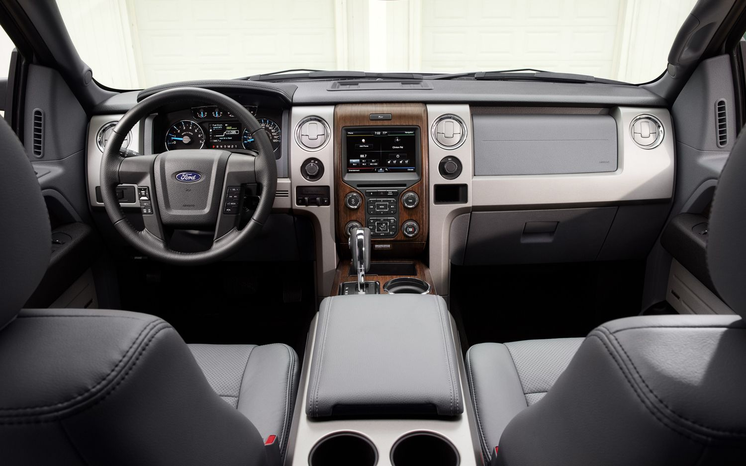 2015 Ford F 150 Competitors Can T Hold A Magnet To The Latest F Series Ford Bronco Ford Bronco Concept Best New Cars