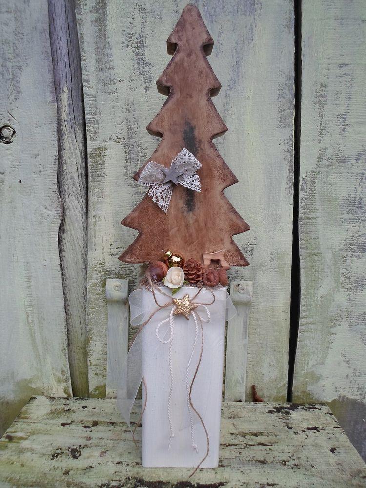 Landhaus deko tannenbaum natur auf holz pfosten 49 cm for Natur deko weihnachten selber machen