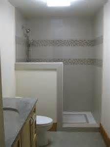 1960 S Shower With 4 Walls And Tiny Doorway Bing Images Rekonstrukciya Vannoj Rekonstrukciya Dushevoj Dizajn Nebolshoj Vannoj