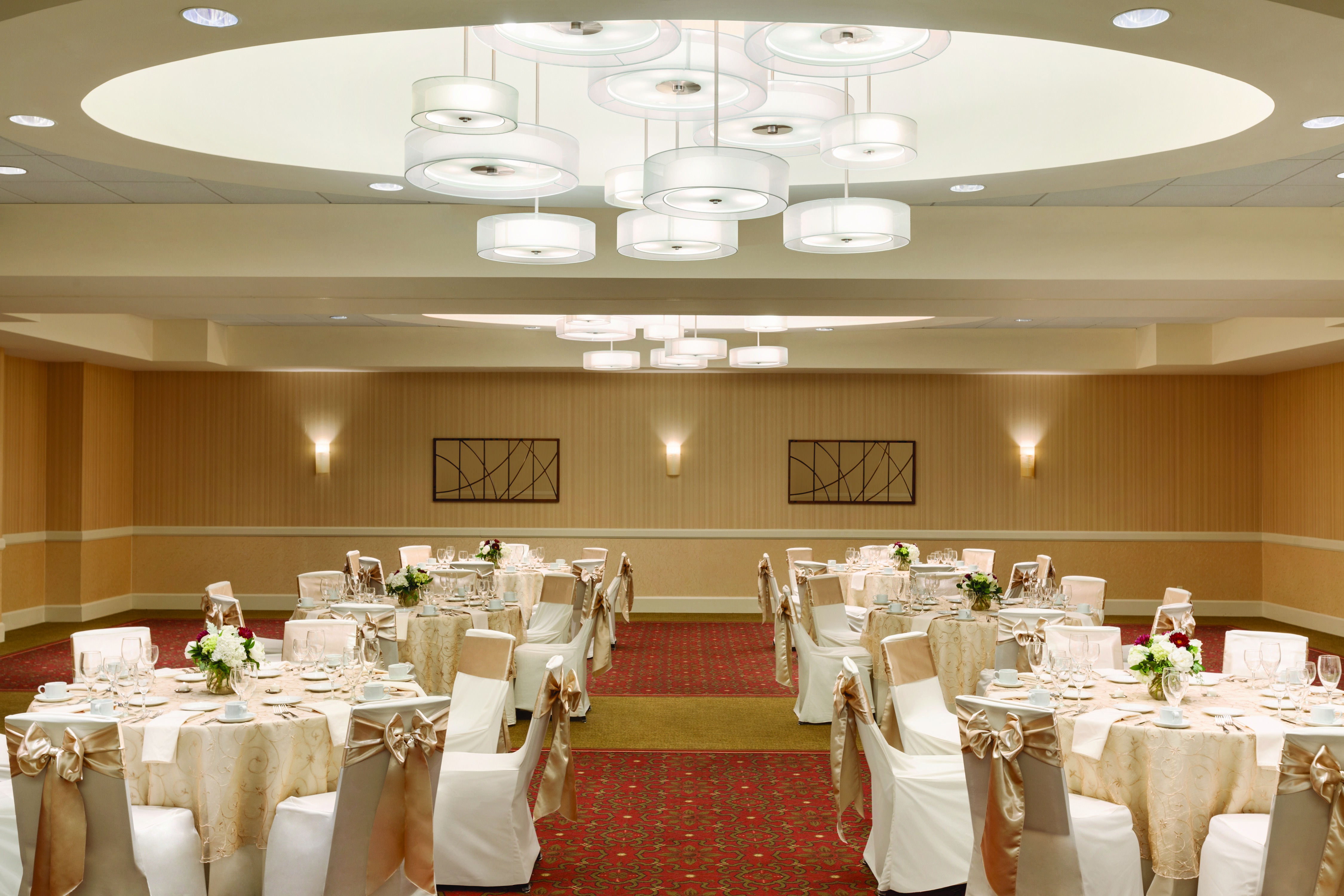 Drake Ballroom At The Embassy Suites Boston Waltham Perfect Venue For Your Wedding