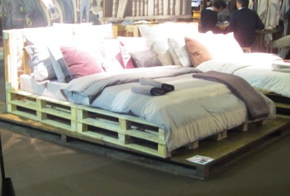 Wood Pallets Instead Of A Box Spring Bed Pallet Bed Home