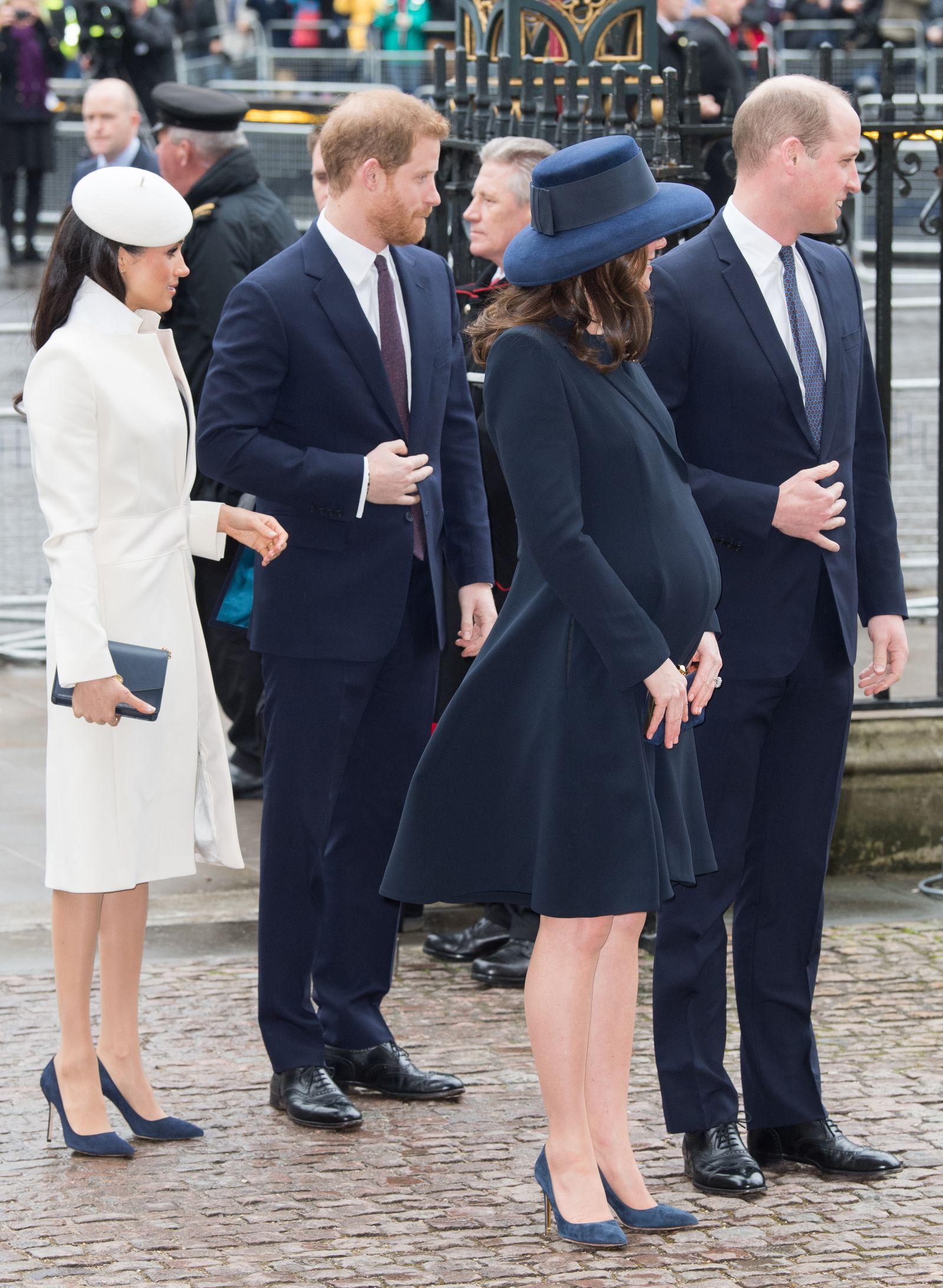 Scarpe Sposa Kate Middleton.Kate Middleton E Meghan Markle Con Le Stesse Scarpe Come Gemelline