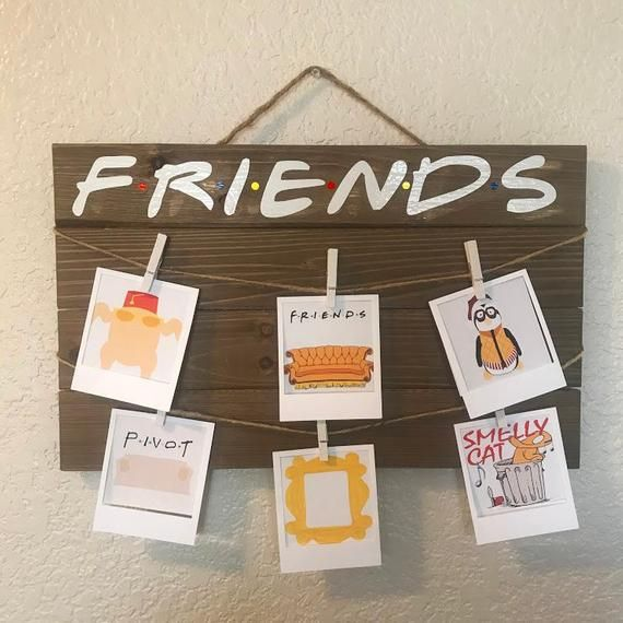 Friends tv show sitcom hanging photo picture wooden plaque sign gift idea