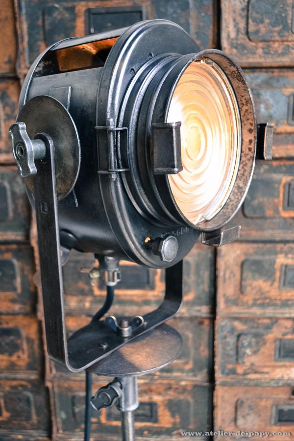 projecteur de cinema cremer paris spotlight vintage arri old cinema theater we collect similar. Black Bedroom Furniture Sets. Home Design Ideas