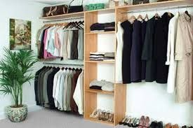 Como Organizar Ropa Sin Closet Closet Organizing Systems Closet Bedroom Closet Small Bedroom