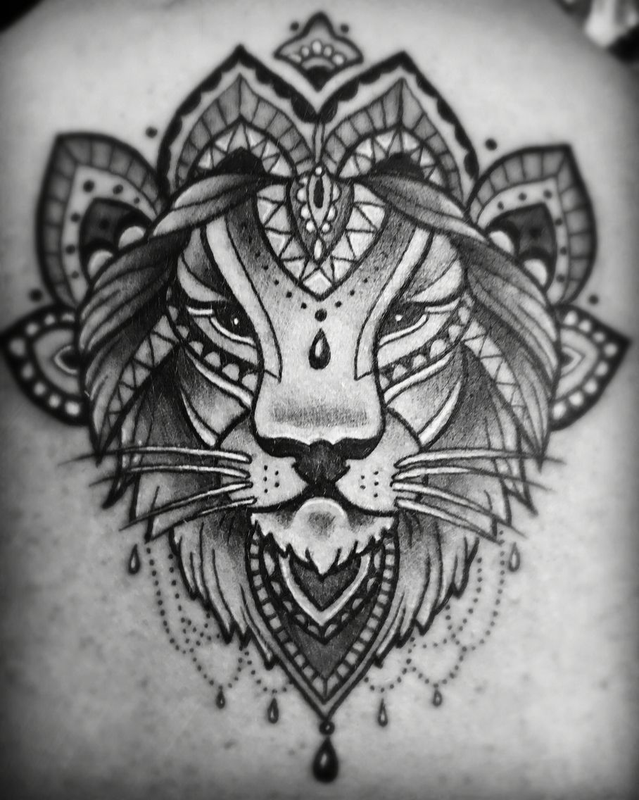 Black Line Lion Mandala Tattoo Tattoos Black Tattoos Lion Mandala