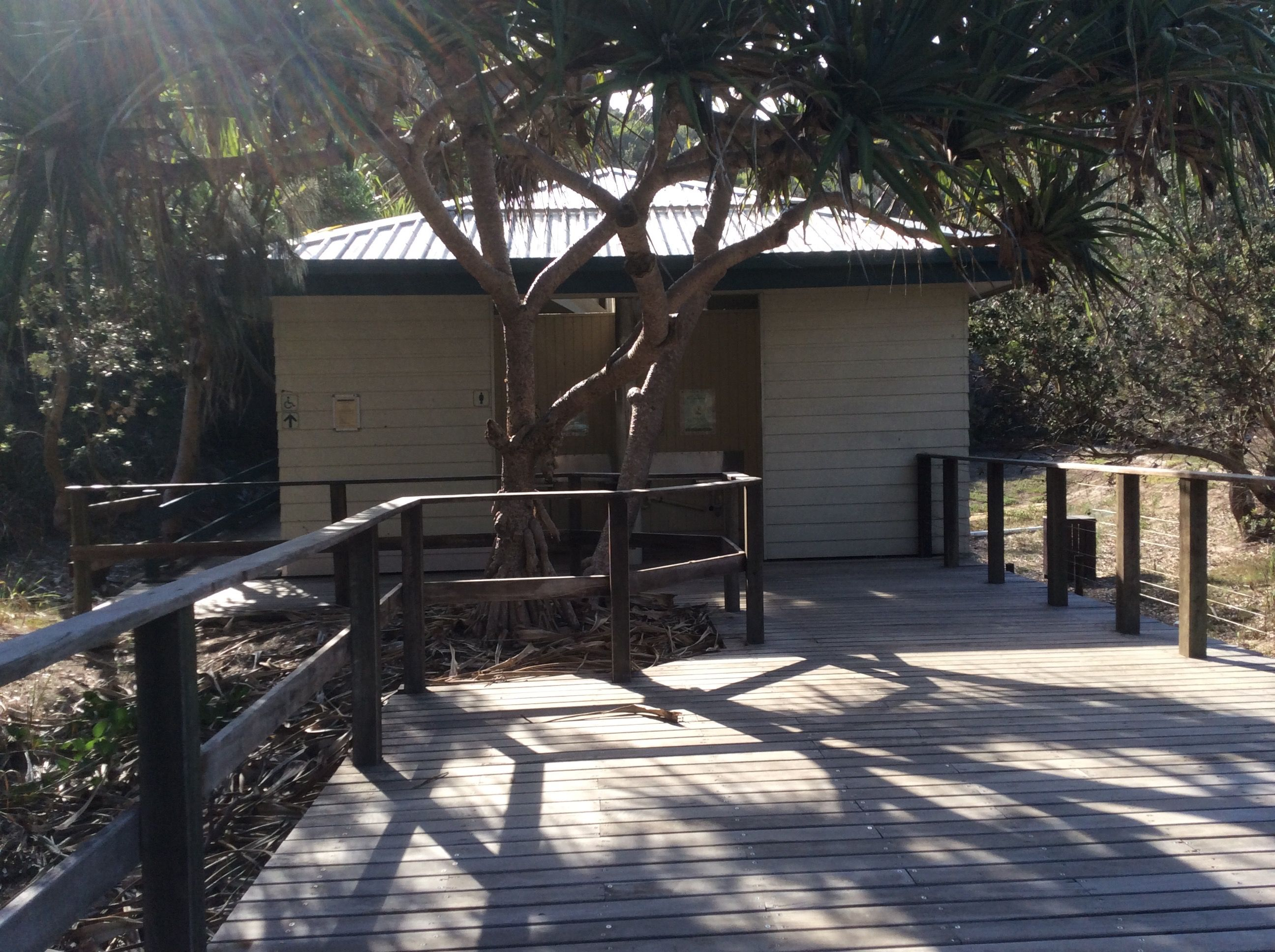 Fraser Island, Queensland | Architecturally Significant Public ... Offentliche Toilette Park Landschaft
