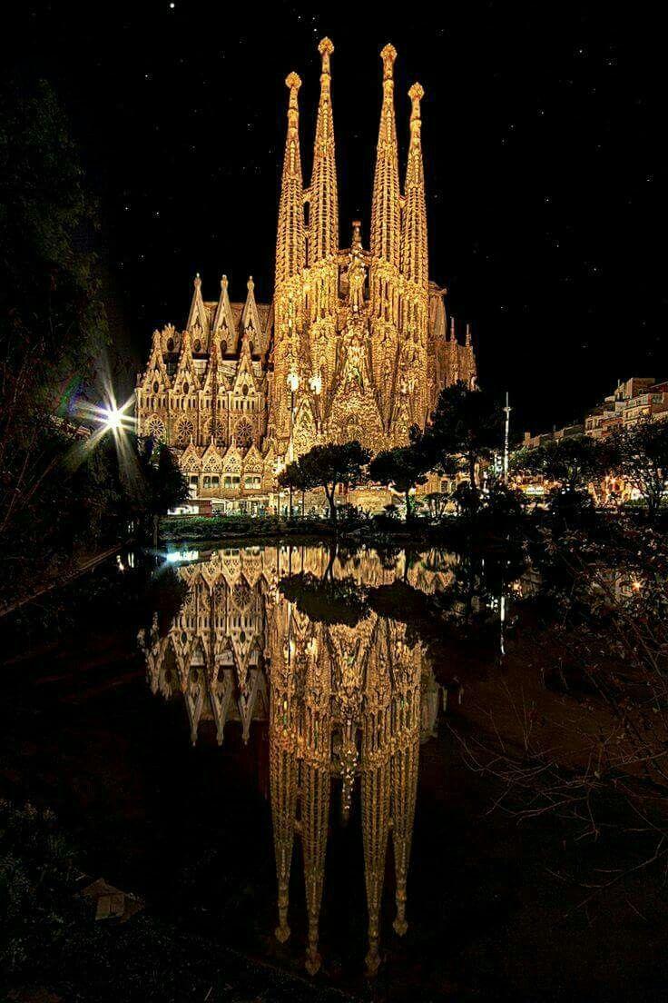 Sagrada Família, em Barcelona, na Espanha! <3