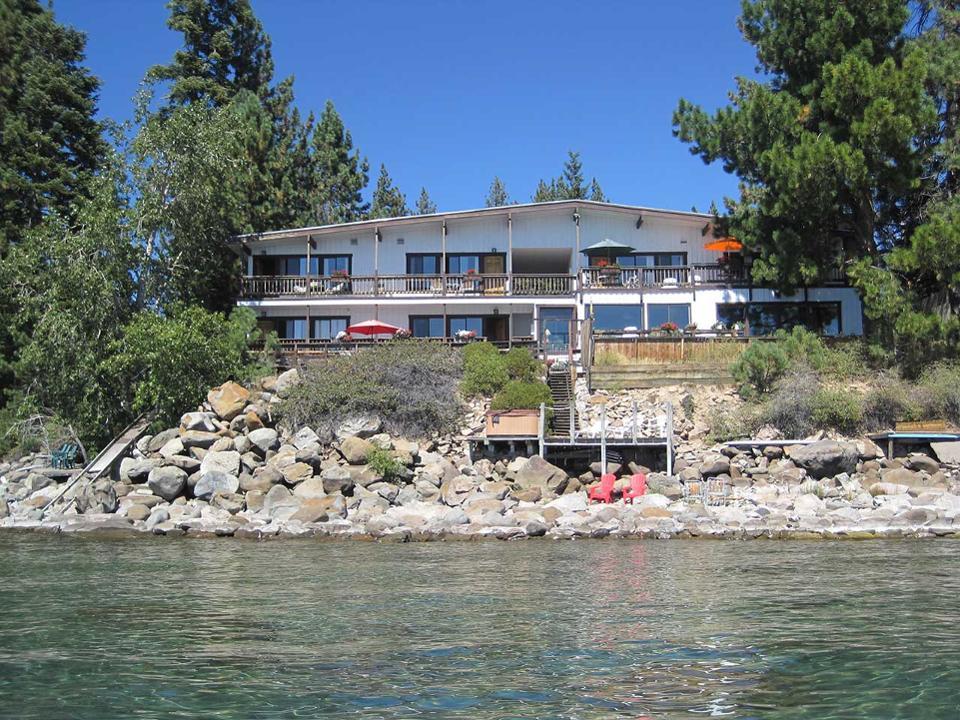 The Best Pet Friendly Hotels In Lake Tahoe In 2020 Lake Tahoe Hotels Tahoe Hotels Lake Tahoe Vacation